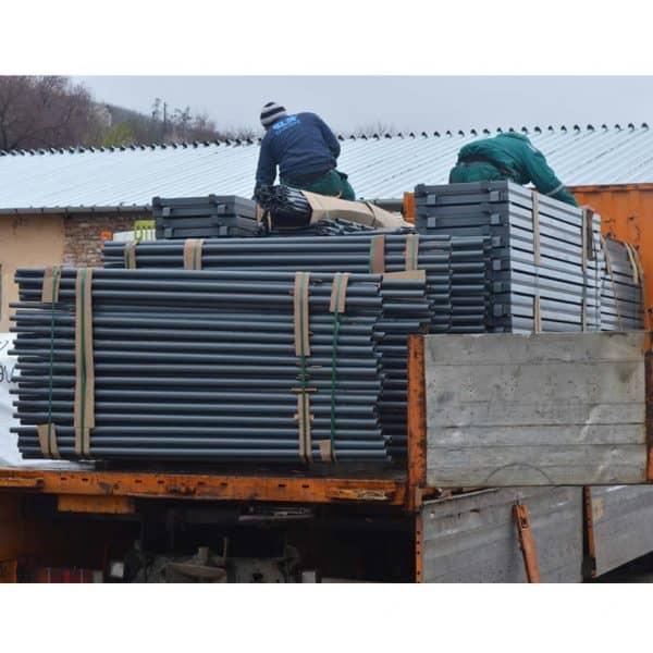 Фасадно скеле GD 42-48 пакетирано по модули и транспортирано до обект.