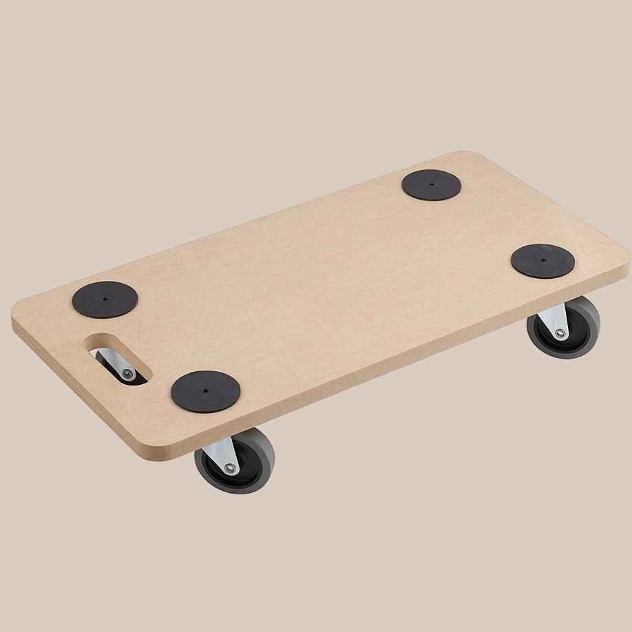 Мобилна поставка правоъгълна - общ изглед. MDF плоскост, 4 бр. колела със спирачка, подложки срещу приплъзване на товара.