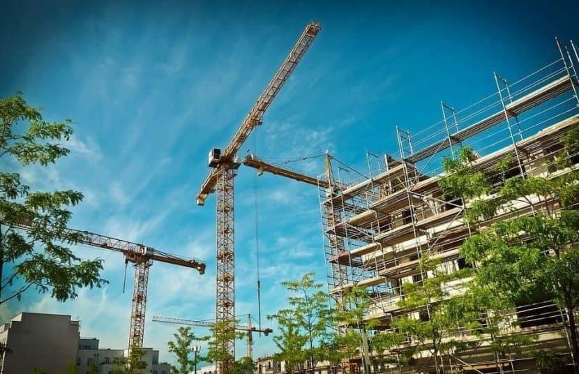 Строителното скеле е съоръжение за сигурна и безопасна работа на височина.