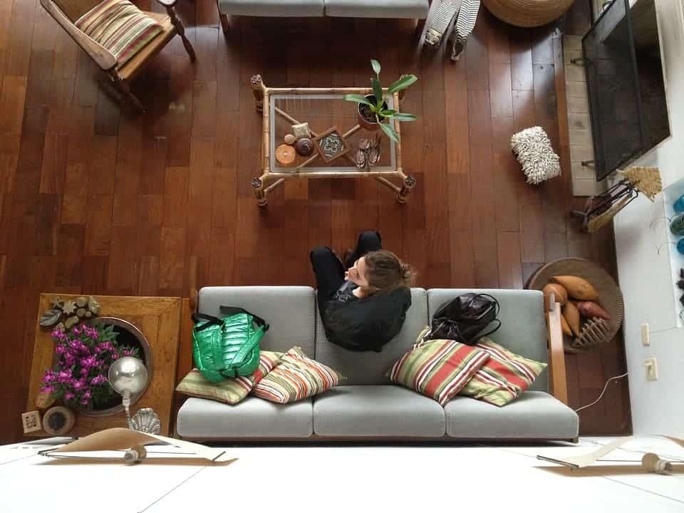 стая жена отгоре