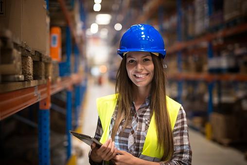 Организация на склад - това е много важна и отговорна дейност. Всяка стока трябва да е на точно определеното място.