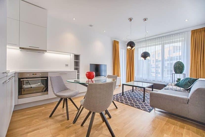 Пренареждане у дома, на мебелите може да стане лесно със специалният комплект за преместване на мебели от Джоди Трейд