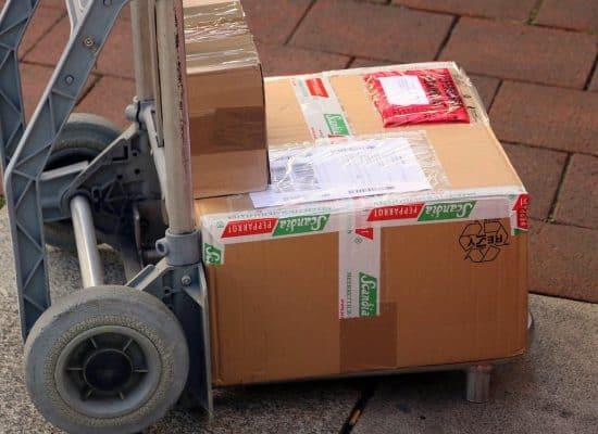 Куриерска количка